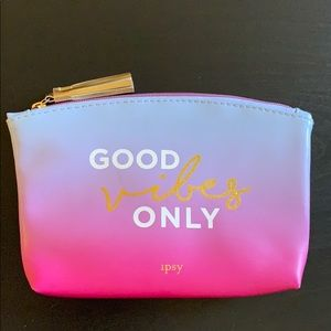"""🆕 Ipsy """"Good Vibes Only"""" Glam Bag"""